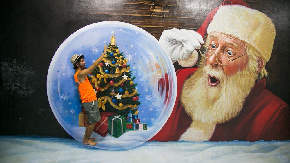 Snowball - Santa - Art in Island in Manila, Philippines