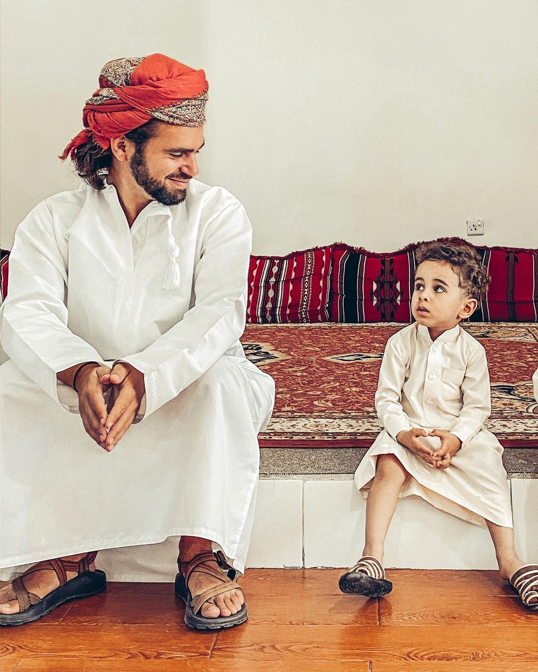 Deaf Traveler - Calvin Young Meet Oman kid