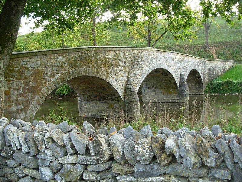 800px-antietam_national_battlefield_memorial_-_burnsides_bridge_06